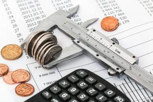 dinero con su pareja (Foto: Pixabay)